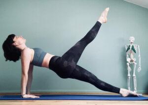 Leg pull back Pilates Mat - Aurore Mrejen