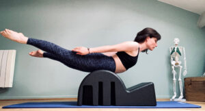 Swan sur spine corrector - Aurore Mrejen